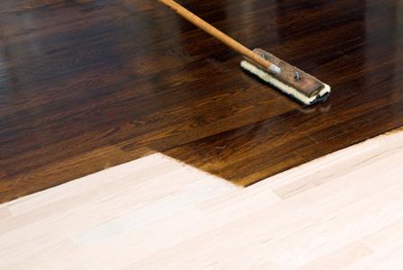 staining-hardwood-floor
